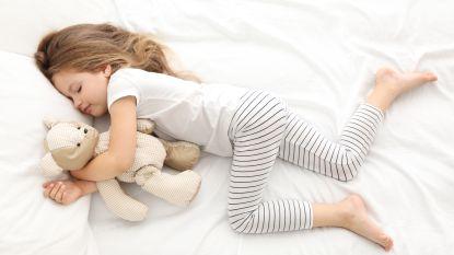 Zo leer je je kind een goede slaapgewoonte aan