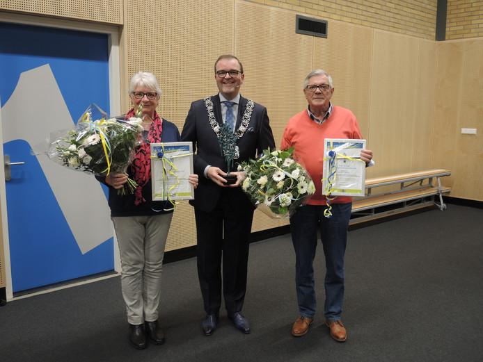 Jaap en Lex Zeedijk met de burgemeester.