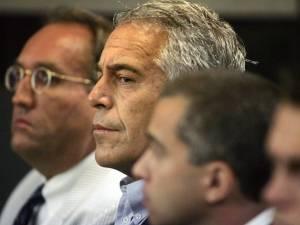 """""""Dix témoignages"""" d'actes survenus en France liés à l'affaire Epstein"""