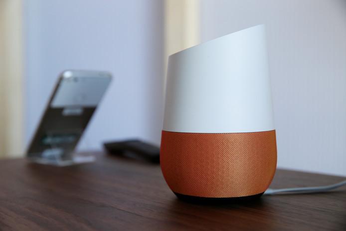 Het Google Home-apparaat.