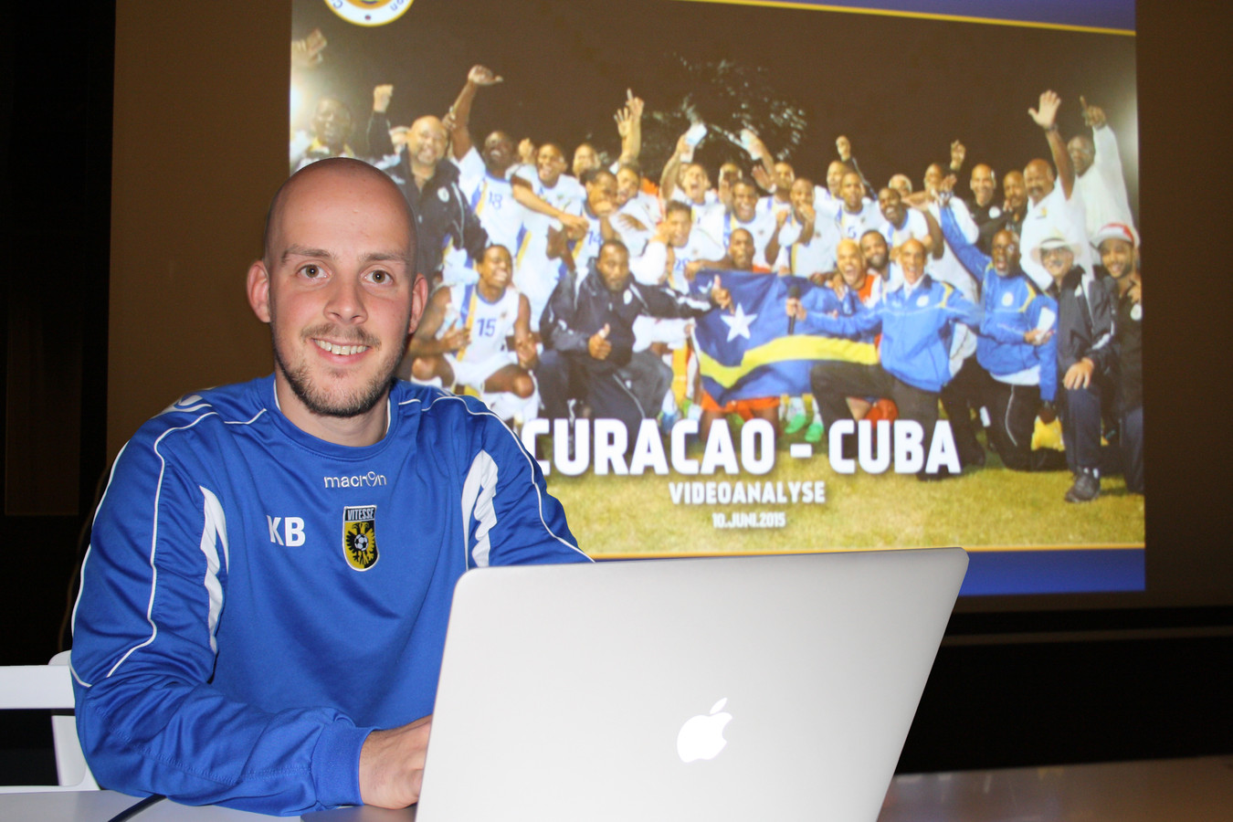Kevin Balvers, video-analist bij Vitesse.