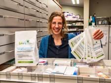 Apothekers in Salland en Vechtdal: 'Zakjes om milieu voor medicijnvervuiling te behoeden'