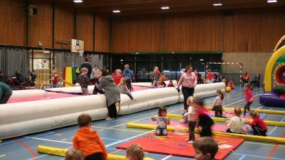 Binnenspeeltuin in sporthal