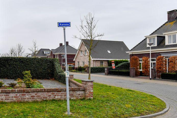 Het is geen straatnaam als alle andere: de Korona in Sint Willebrord.