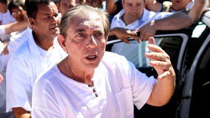 Braziliaanse 'genezer' die honderden vrouwen misbruikte, meldt zich bij politie