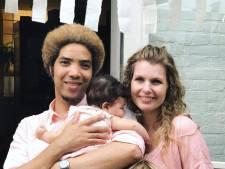 Angus dreigde geboorte van dochter te missen door visumproblemen: 'Het was best zwaar'