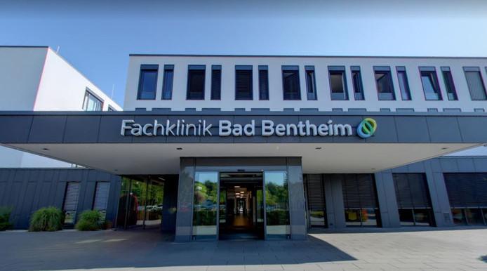 De revalidatiekliniek in Bad Bentheim, waar tien mensen het virus hebben opgelopen.
