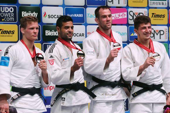 Casse (links) behaalde zilver op het WK judo in de gewichtsklasse onder 81 kg.