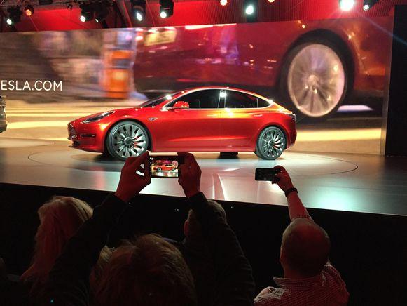 Tesla komt in handen van Apple, volgens Saxo Bank, in zijn jaarlijkse voorspellingen voor het komende jaar.