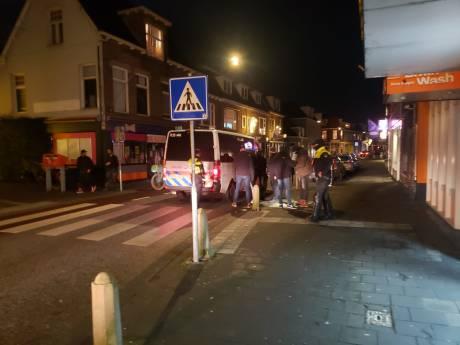 Politie is heel zichtbaar op straat in regio en waarschuwt groepjes mensen voor samenscholing
