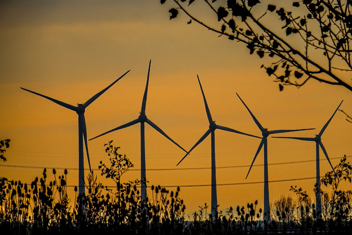 Nederland moet in 2030 49 procent minder CO2 uitstoten. Dat gaan we niet halen in dit tempo, zegt de Raad van State.