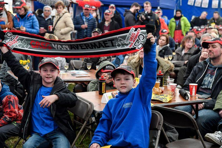De supporters van Greg Van Avermaet verzamelden in een heus fandorp in Hamme-Zogge.