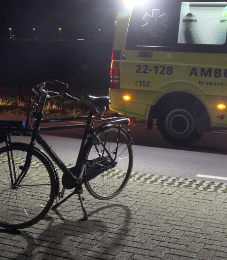 Automobilist pleegt vluchtmisdrijf na aanrijden fietser in Deurne