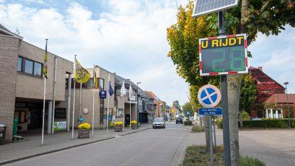 Bestuurders zien nu permanent in Pamel en Lombeek of ze zich aan de zone 30 houden