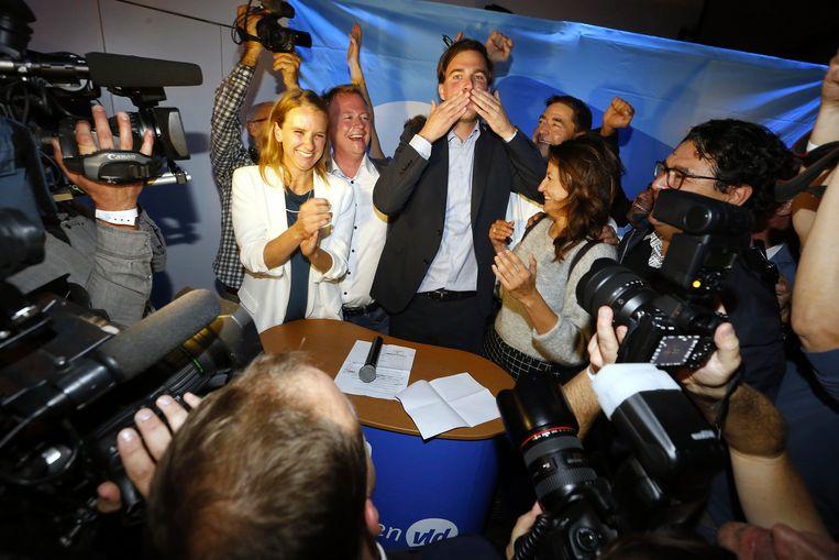 In Gent riep Open Vld-lijsttrekker Mathias De Clercq zichzelf gisteren al uit tot nieuwe burgemeester. Het kartel sp.a-Groen zegt zich echter niet uit elkaar te laten spelen en aan zet te zijn.
