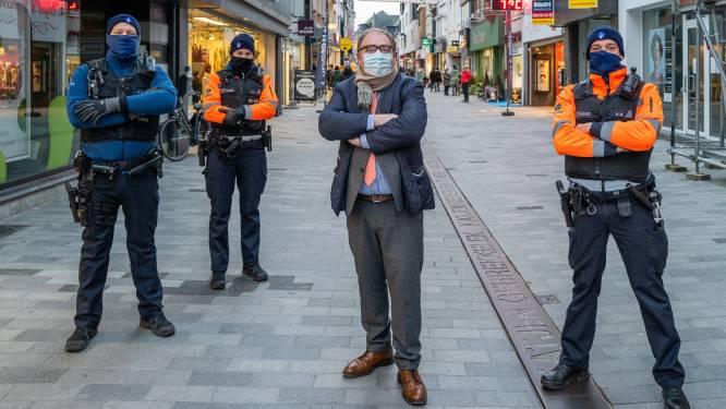 """""""Teruggekeerde reizigers uit rode zones kunnen gecontroleerd worden"""", zegt burgemeester Christoph D'Haese (N-VA)"""