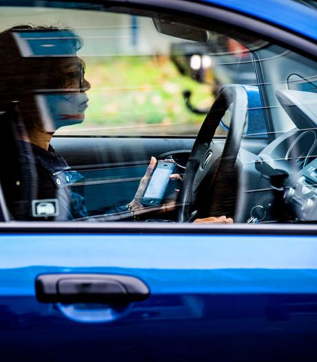 Fors meer boetes voor bellen tijdens het rijden