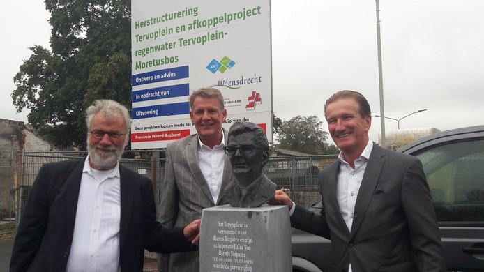 In september werd het opgeknapte Tervoplein Putte heropend door kunstenaar Hans Hermes, ondernemer Wim Jaegers en wethouder Hans de Waal. Het Dorpsplatform Putte zou nu ook graag zien dat de entree van het dorp aantrekkelijker wordt gemaakt.
