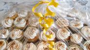 N-VA Hemiksem trakteert woonzorgcentrum op cupcakes