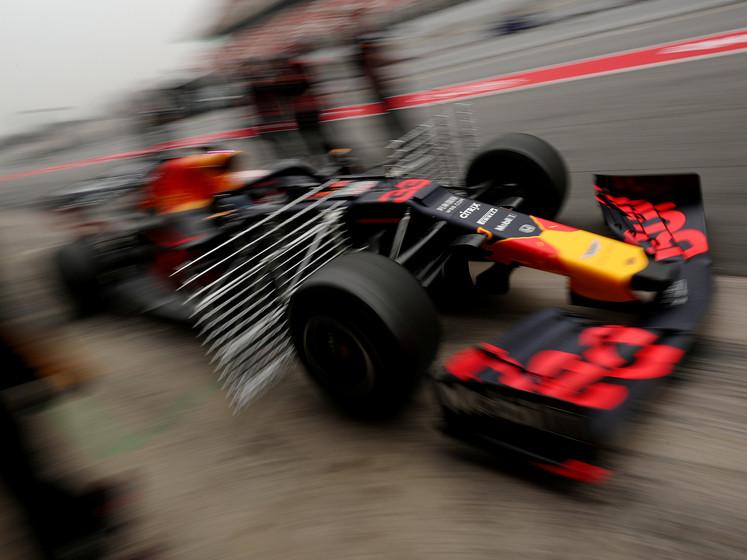 Verstappen sluit derde testdag af op 109 rondjes en rijdt vijfde tijd