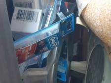 Politie vindt gestolen tandenborstels in verborgen ruimte opvallende auto