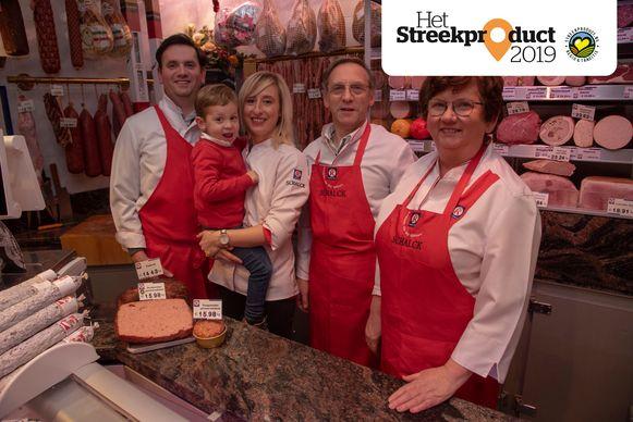 De familie Schalck in de winkel in Wetteren.