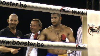 Ex-bokser die twee agenten neerstak in beroep tot 15 jaar cel veroordeeld