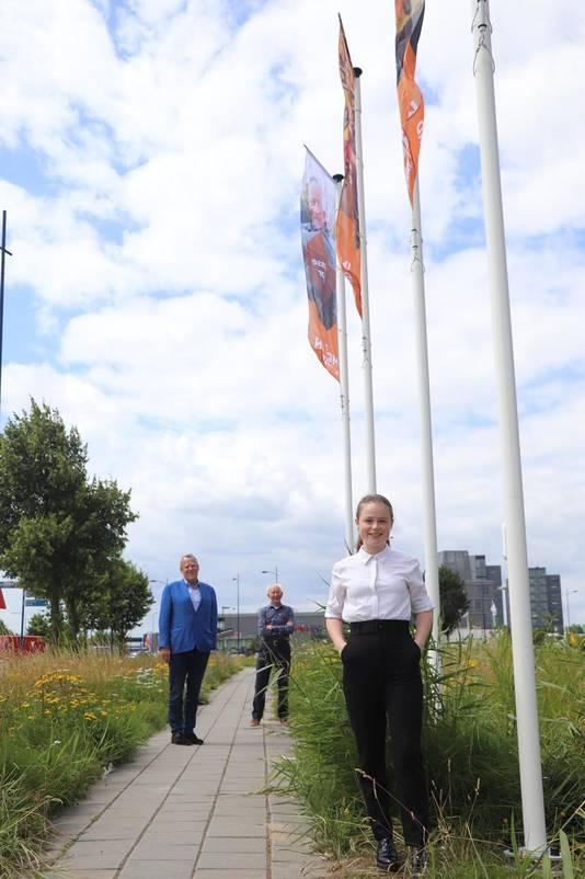 Wethouder Harry van Rooijen (links) met het jongste en het oudste gezicht van de campagne Made in Meierijstad: Kim van den Broek en Harry van den Hurk.