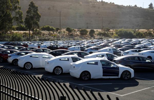 **Ruim achthonderd Duitse Tesla-eigenaren moeten groensubsidie terugbetalen**
