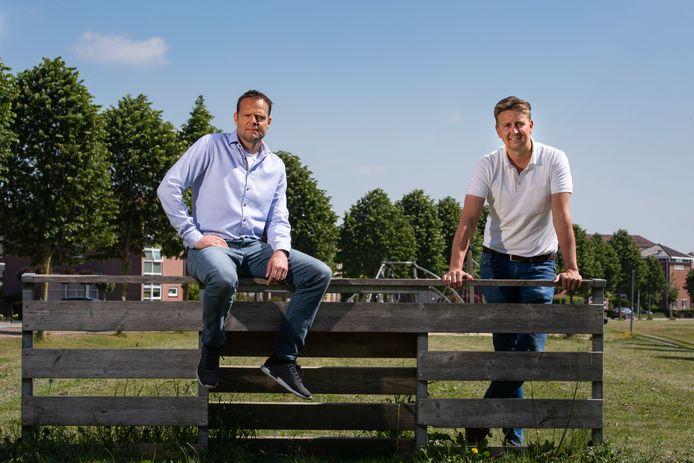 Gerald van den Belt (l) en Ard de Graaf staan voor de enorme klus om Cambuur na het missen van de promotie op te bouwen voor het seizoen van de herkansing.