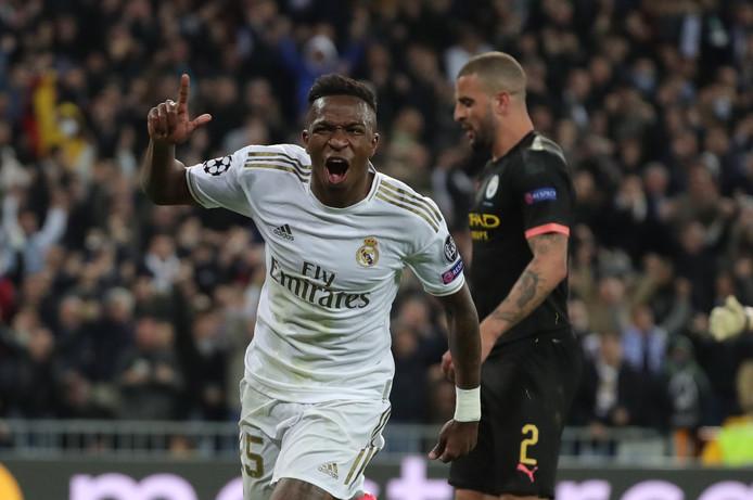 Vinicius Junior viert zijn assist bij de 1-0.