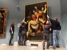Manoeuvreren met topschilderij in Centraal Museum in Utrecht