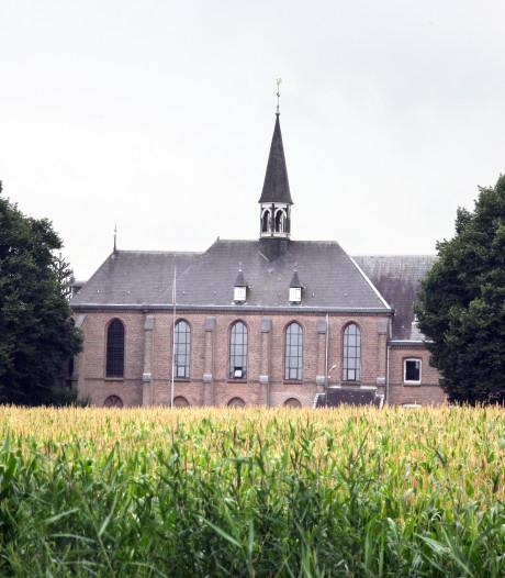 Oudste karmeliet Constant Dölle in Zenderen begraven