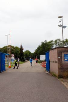 Nieuwe asielzoekers naar noodopvang: Budel en Ter Apel op slot voor nieuwkomers