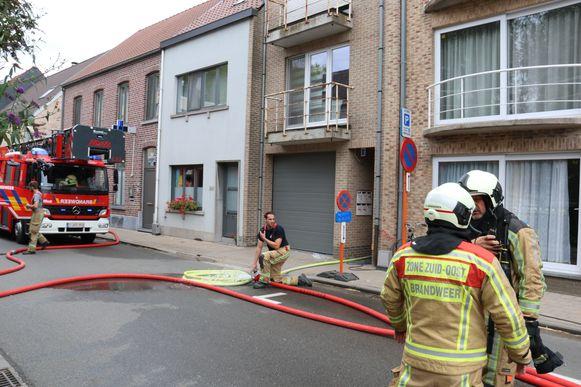 De brand was snel onder controle maar zorgde wel voor heel wat rookontwikkeling.