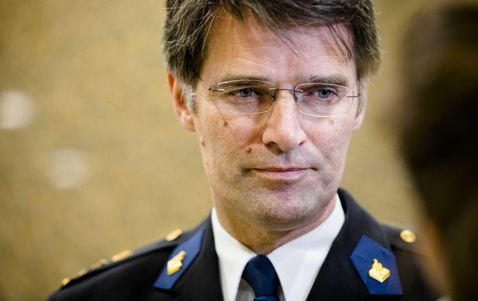 Erik Akerboom, hoofdcommissaris van de Nationale Politie, reageert op een klacht van een teamchef over intimidatie.