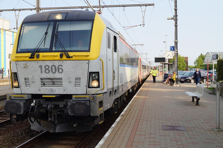 Er blijft personeel aanwezig in het station van Lichtervelde