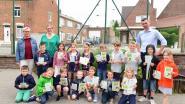 Ongeveer 700 schoolkinderen kregen een zakje bloemenzaad mee naar huis