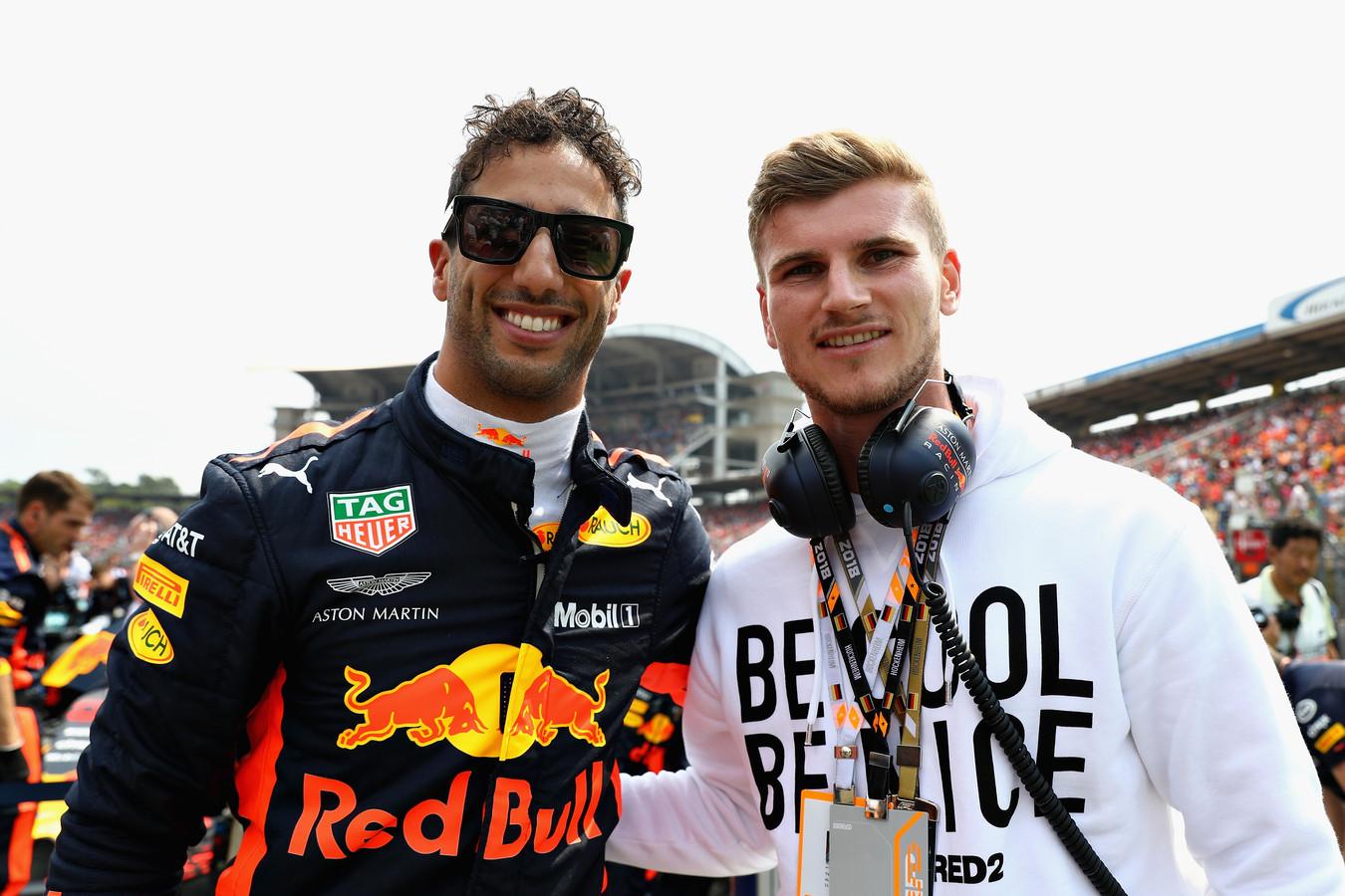 Daniel Ricciardo met Timo Werner voor de Grand Prix van Duitsland op zondag 22 juli.