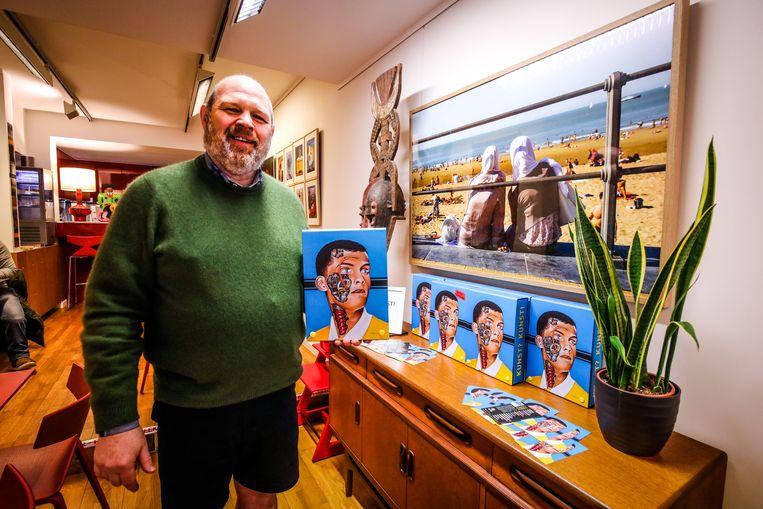 Peter Van Ruysseveldt, die samen met zijn vrouw Patricia Steenkamp ZigZag runt, pakt uit met een derde kunstboek.