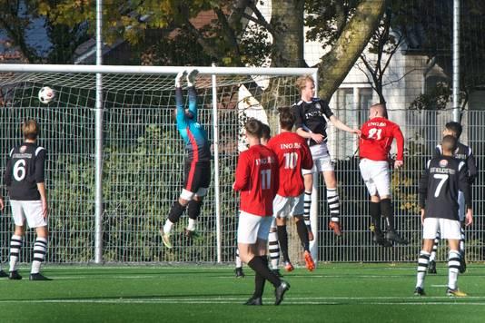 Een week later heeft SC Rheden de smaak opnieuw te pakken: 4-0 winst bij SML.