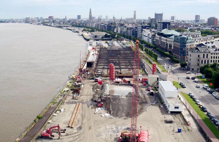 Een luchtbeeld van de werkzaamheden aan de Scheldekaaien in het zuiden van de stad.