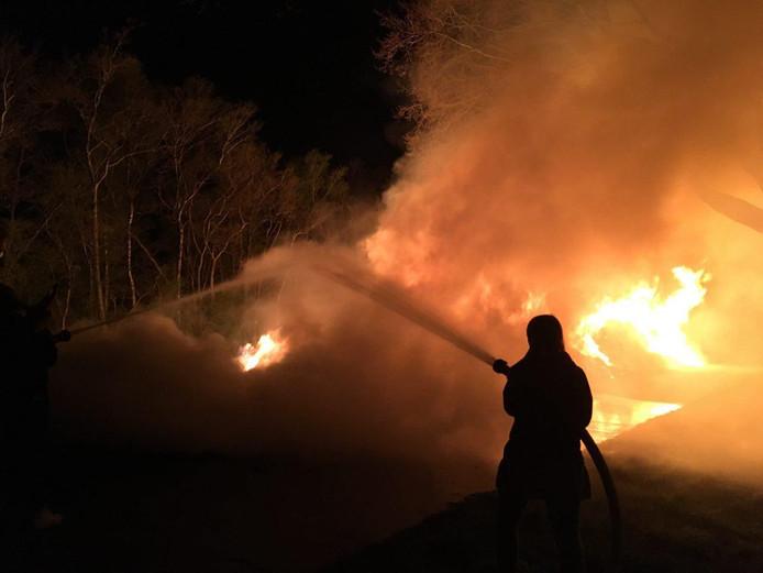De bestrijding van de brand in Giethoorn.