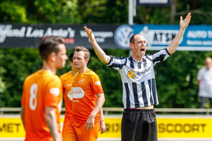 Stef Beute schreeuwt het uit. De verdediger maakte een doelpunt voor MSC. ©Martijn Bijzitter