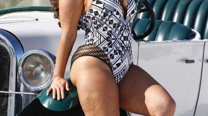 Plussize model Ashley Graham gaat strijd aan met Photoshop met nieuwe badmodecollectie