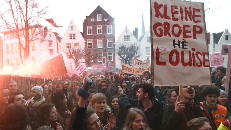 Studenten, docenten en sympathisanten tijdens de protestmars in Amsterdam. Beeld anp