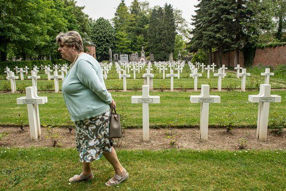 Op de Parkbegraafplaats rusten niet alleen oorlogsslachtoffers, maar ook  de Poolse jongens die sneuvelden tijdens de bevrijding van Roeselare.