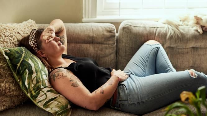 """1 op de 10 vrouwen heeft endometriose. Kristel en Stefanie kampen er zelf mee: """"Het aantal keren dat gezegd werd dat het allemaal tussen mijn oren zat is ontelbaar"""""""