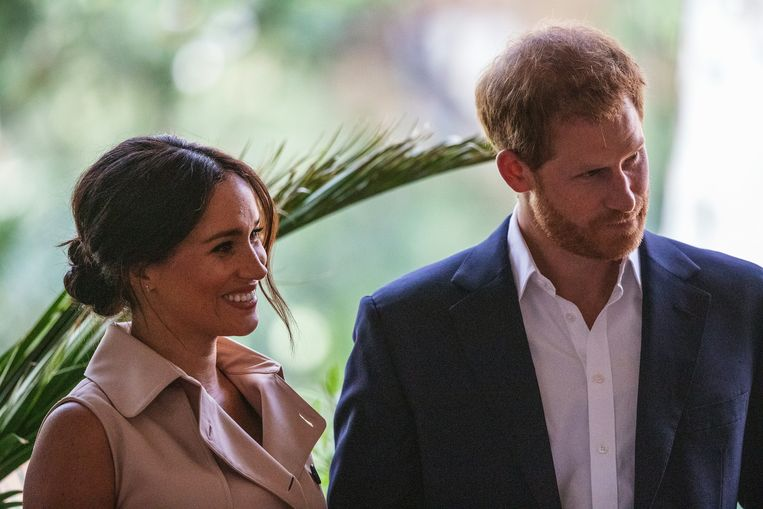 Meghan en Harry verklaarden woensdag dat ze een stap opzij willen zetten als vooraanstaande leden van de koninklijke familie. Beeld AFP