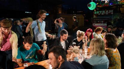 De officieuze Gentse Feesten-start: vlaspoppen maken